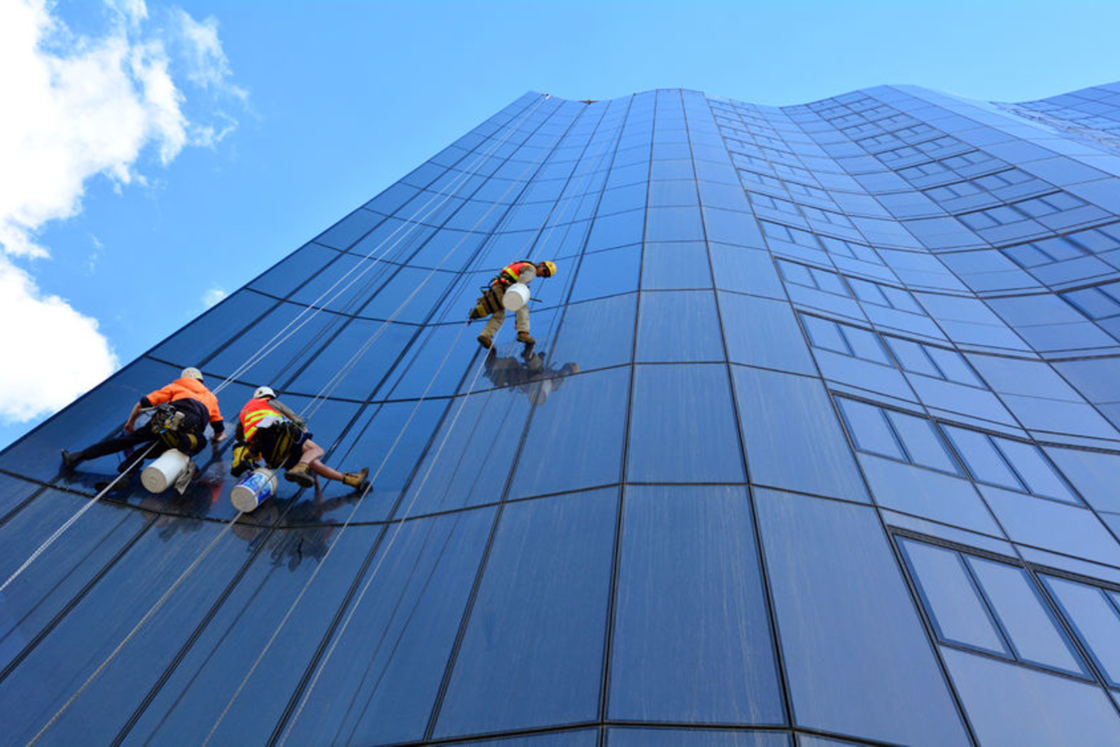 window washing dallas gutter cleaning exterior window cleaning for office spaces near you regardless if you work andor manage retail store hospital school gym or any other commercial window cleaning for offices commercial spaces near dallas